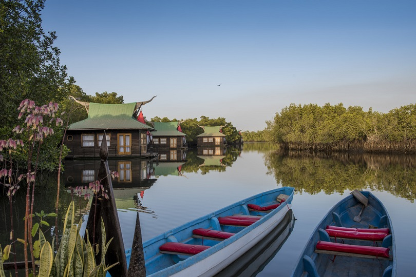 Floating lodges on the river at Mandina Lodges